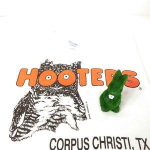 XL Hooters Corpus Christi TX, t-shirt.